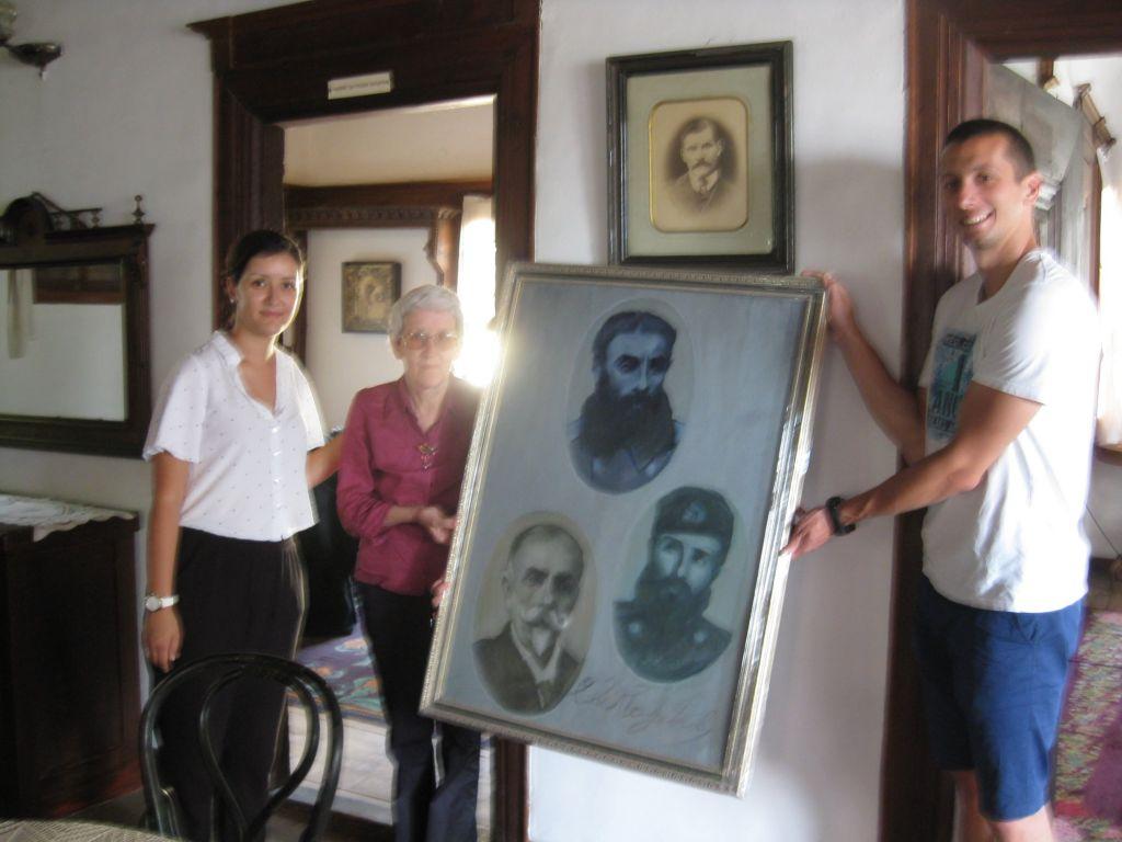 Ценни дарения за Исторически музей-Карлово - голяма снимка